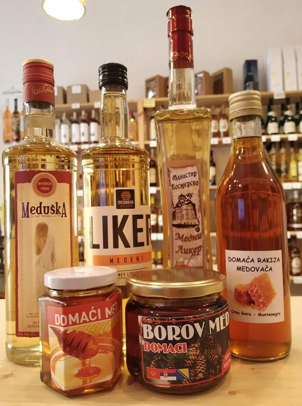 Ochutnávka slovinských a černohorských medových likérů a medů