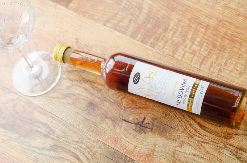 2 svěží novinky na léto (ovocná medovina i medový cider)