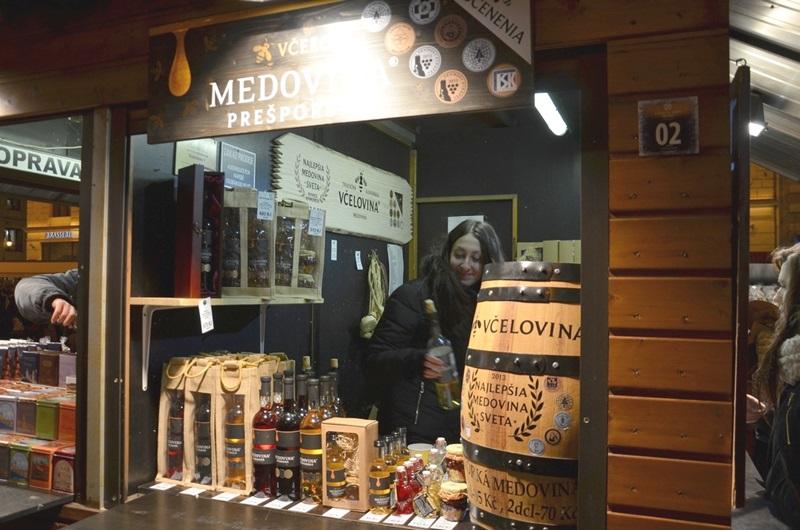 Kam před vánocemi v Praze za dobrou medovinou?