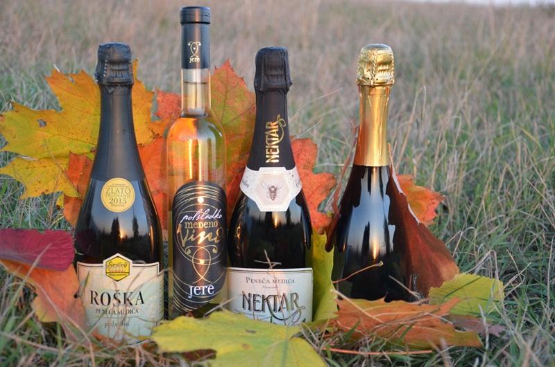 """Oslavte u nás narozeniny """"šampaňským"""" z medoviny => džbánek medoviny zdarma"""