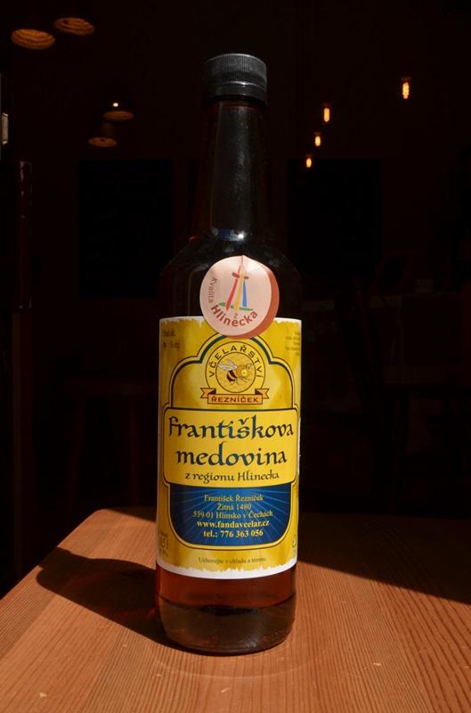 František Řezníček: Františkova medovina (s višněmi)