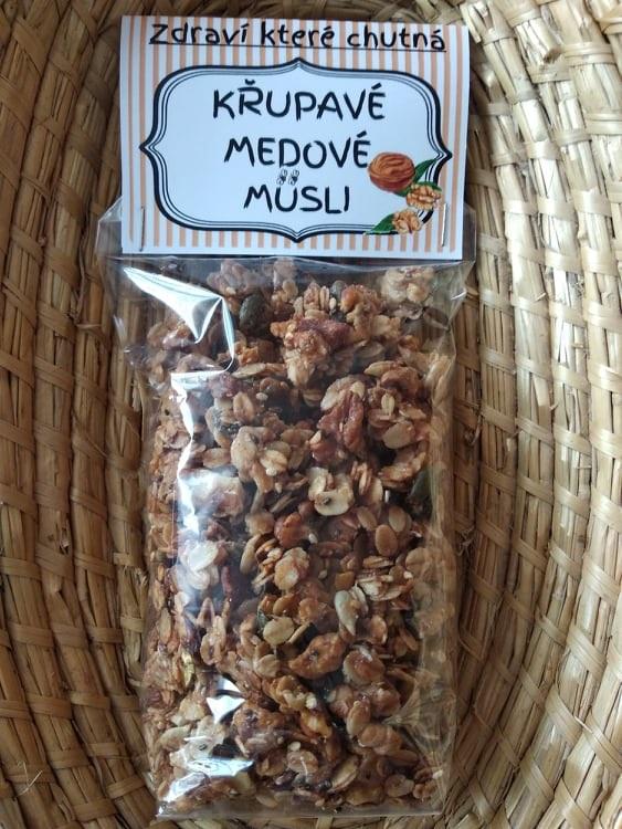 Roman Macholda: Křupavé medové müsli - ořechové