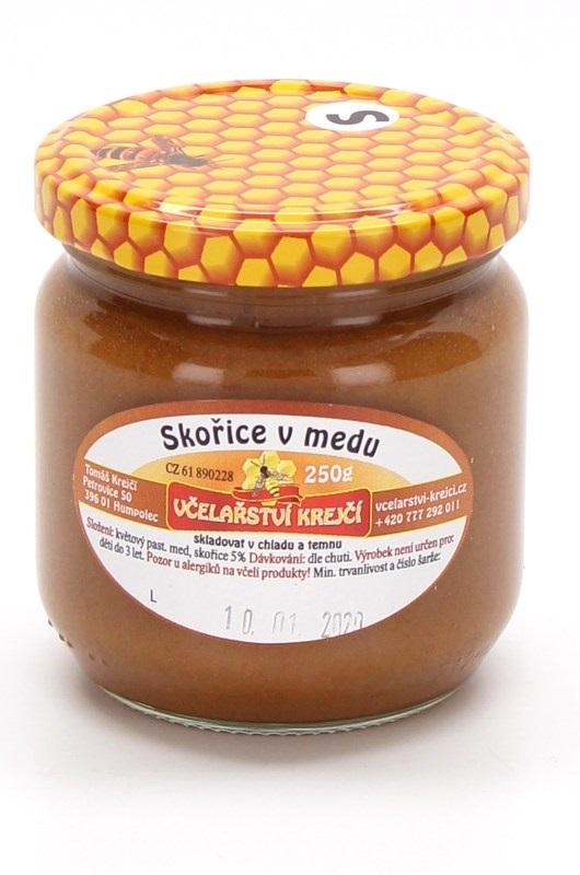 Včelařství Krejčí: Skořice v medu